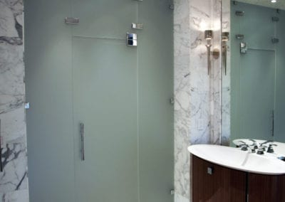 4-frosted-glass-shower-enclosure