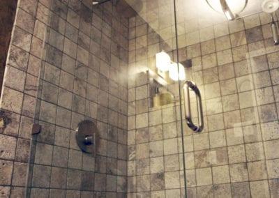 2-frameless-showerdoor